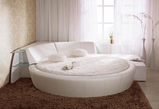кръгло тапицирано легло