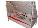 Спалня с футболна врата