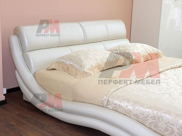 Тапицирани спални с еко кожа, по поръчка
